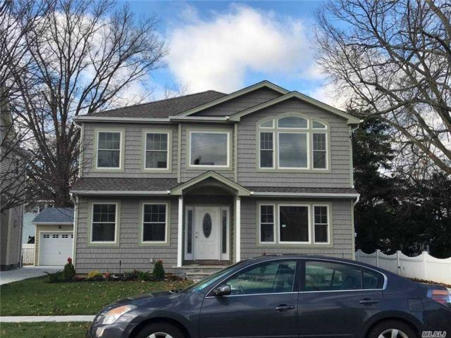 5 BR,  3.00 BTH  Colonial style home in Floral Park