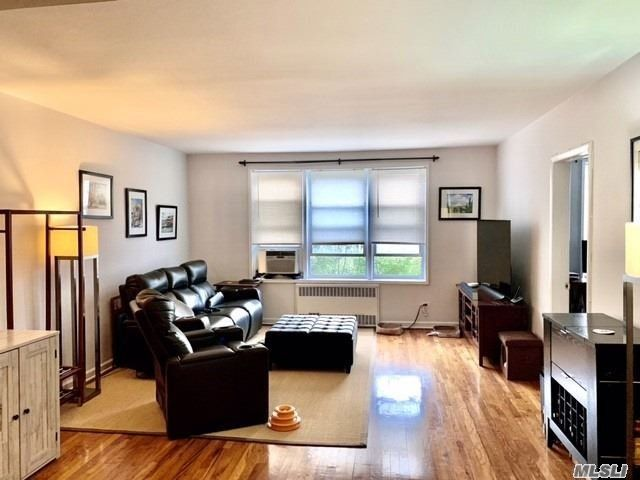 2 BR,  1.00 BTH Mid rise style home in Jackson Heights