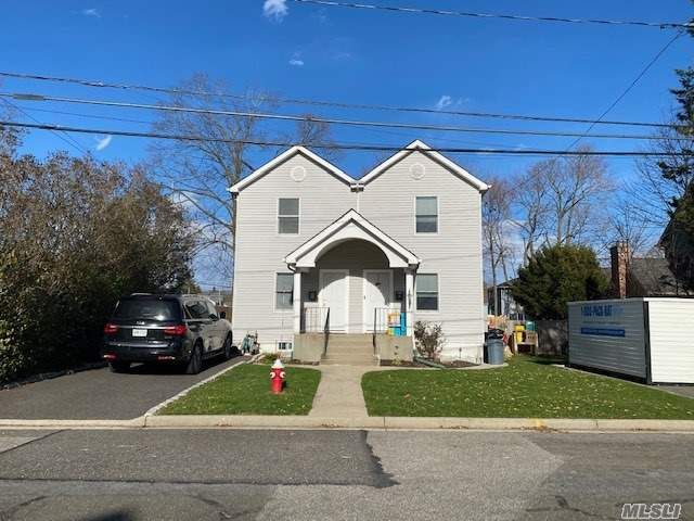 2 BR,  1.00 BTH  Colonial style home in Syosset