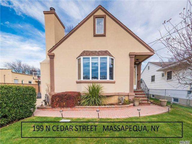 [Massapequa Real Estate, listing number 3172226]