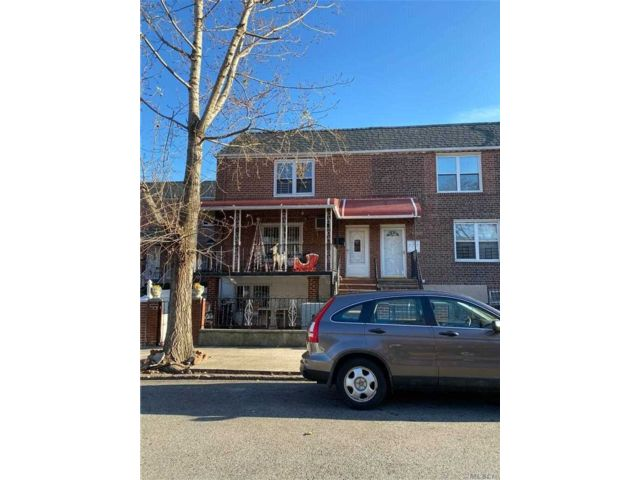 2 BR,  1.00 BTH Apt in house style home in Astoria