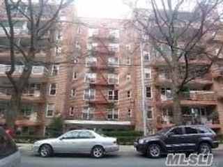2 BR,  1.00 BTH Other style home in Kew Garden Hills