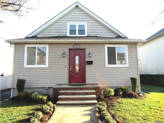 3 BR,  3.00 BTH  Cape style home in New Hyde Park