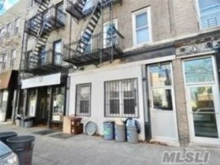 1 BR,  1.00 BTH Apt in house style home in Greenpoint