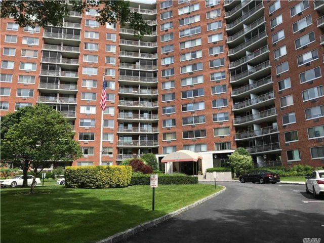 1 BR,  1.00 BTH High rise style home in Bayside