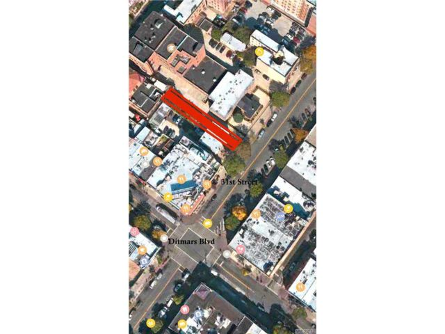 Lot <b>Size:</b> 25 ft x 175 Land style home in Astoria