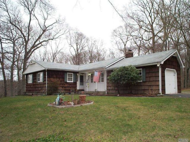 4 BR,  2.00 BTH  Ranch style home in Wading River