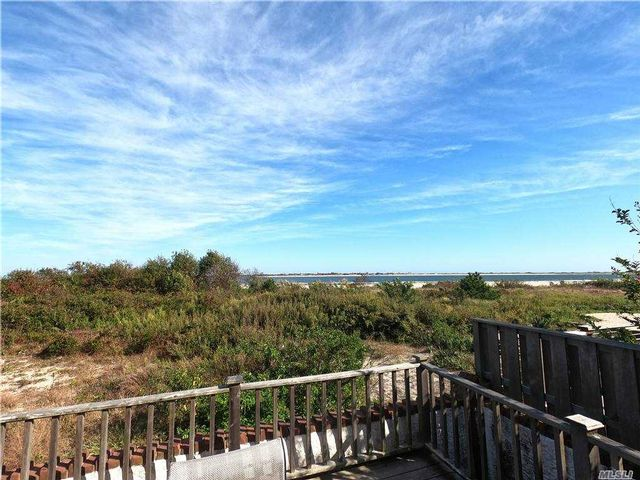 6 BR,  3.00 BTH  Cape style home in Point Lookout