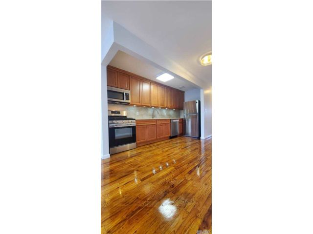 3 BR,  1.00 BTH Multi family style home in Cypress Hills