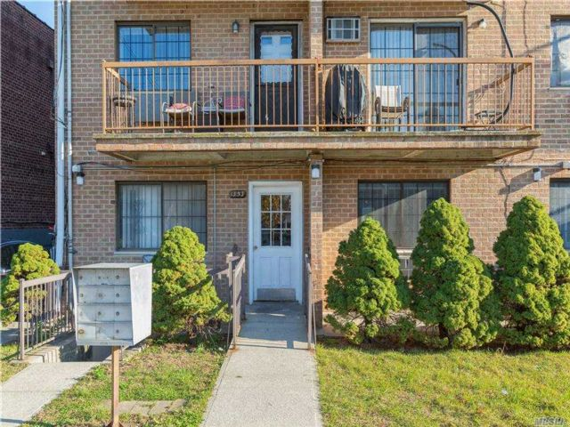 1 BR,  2.00 BTH Mid rise style home in Canarsie