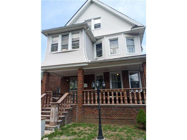 10 BR,  7.00 BTH Other style home in Jamaica Hills