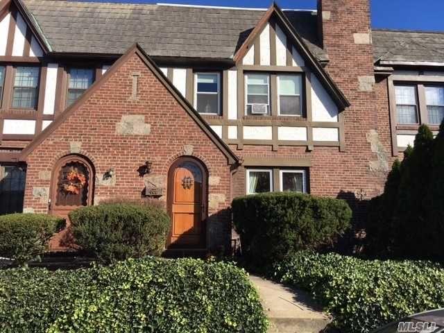 3 BR,  2.00 BTH Tudor style home in Mineola
