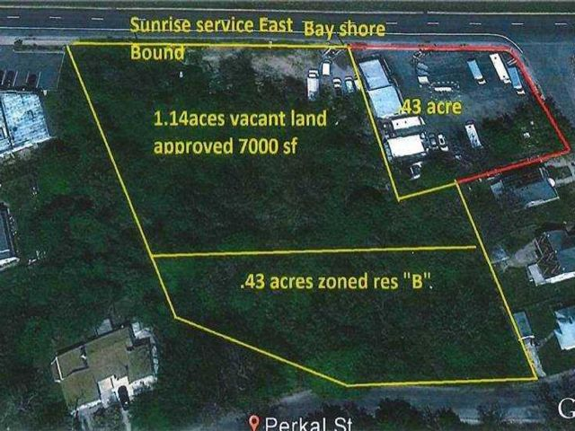 Lot <b>Size:</b> 1.62 Acres Land style home in Bay Shore