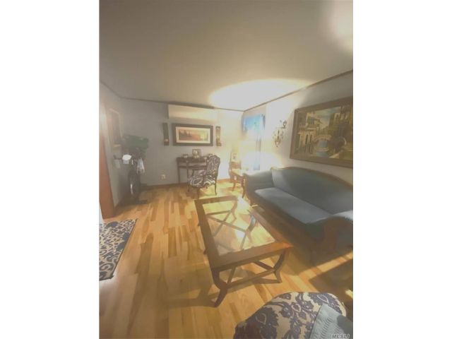 3 BR,  2.00 BTH Ranch style home in East Elmhurst