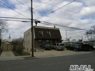 Studio,  0.00 BTH Commercial style home in New Hyde Park