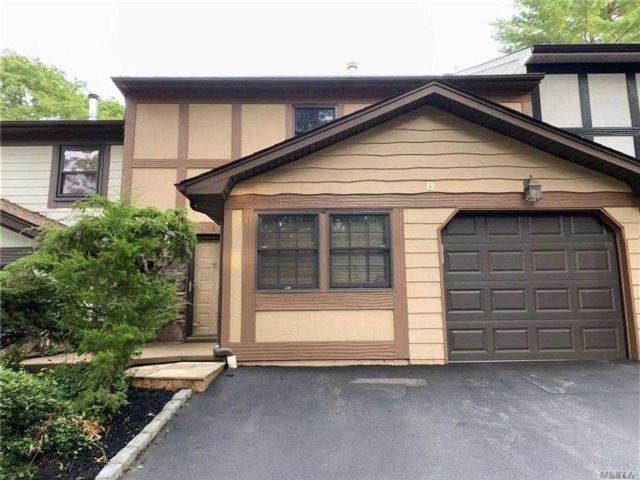 2 BR,  2.00 BTH  Townhouse style home in Woodbury