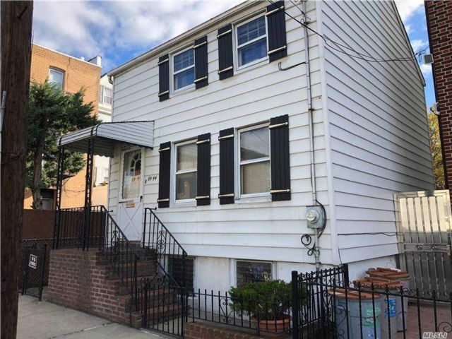 2 BR,  2.00 BTH 2 story style home in Maspeth