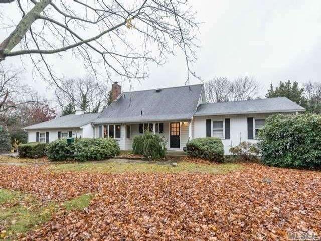 [St. James Real Estate, listing number 3173380]
