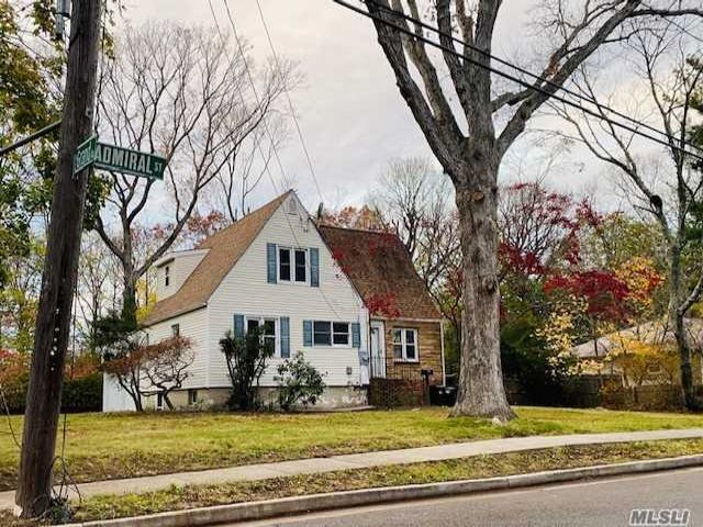 3 BR,  3.00 BTH  Cape style home in Port Jefferson Station