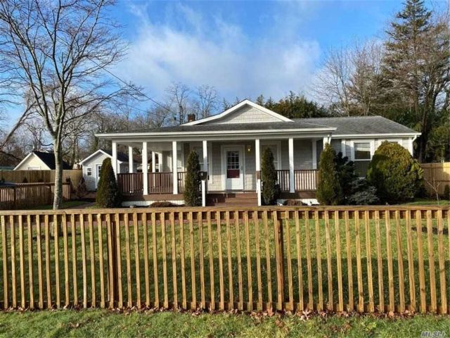 2 BR,  1.00 BTH Ranch style home in Mastic Beach