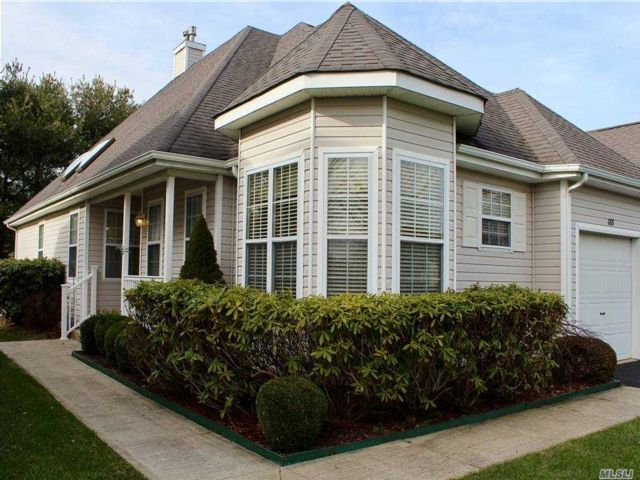 2 BR,  2.00 BTH Other style home in Riverhead