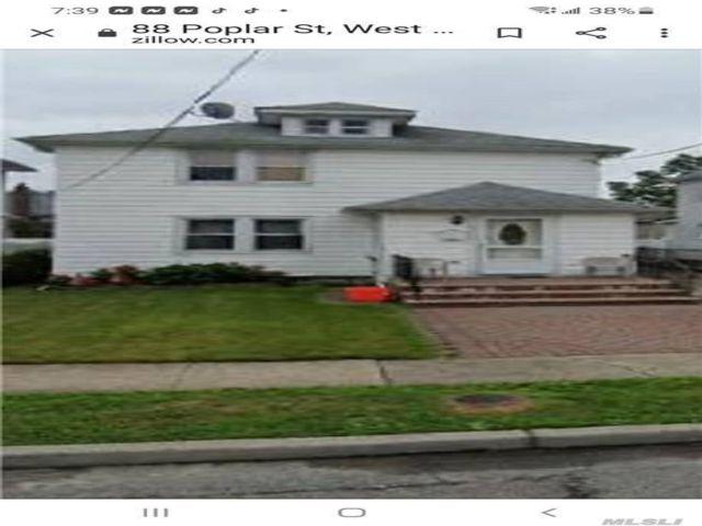 2 BR,  1.00 BTH Duplex style home in West Hempstead