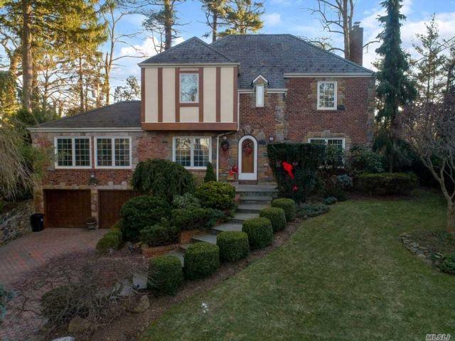 [Manhasset Real Estate, listing number 3173712]