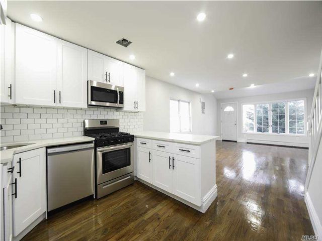 3 BR,  4.00 BTH Colonial style home in Mill Basin
