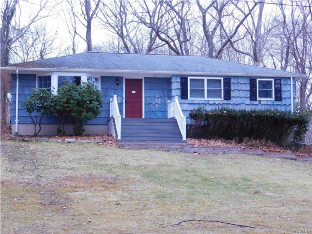 3 BR,  2.00 BTH  Ranch style home in Shoreham