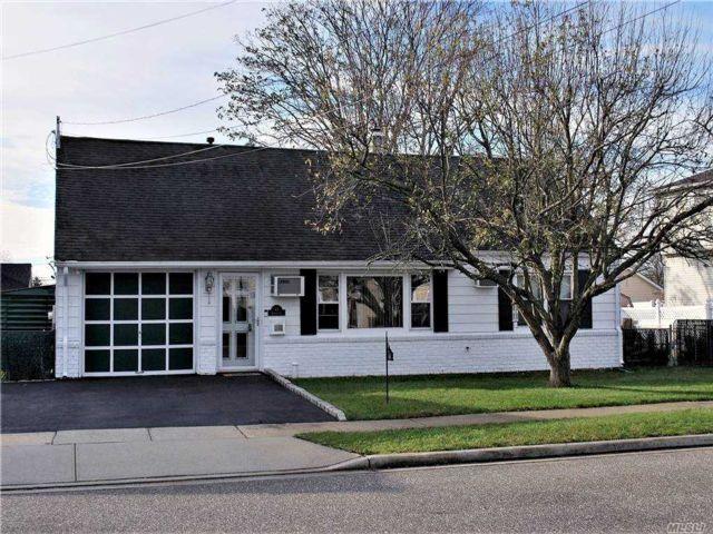 [Massapequa Real Estate, listing number 3173742]