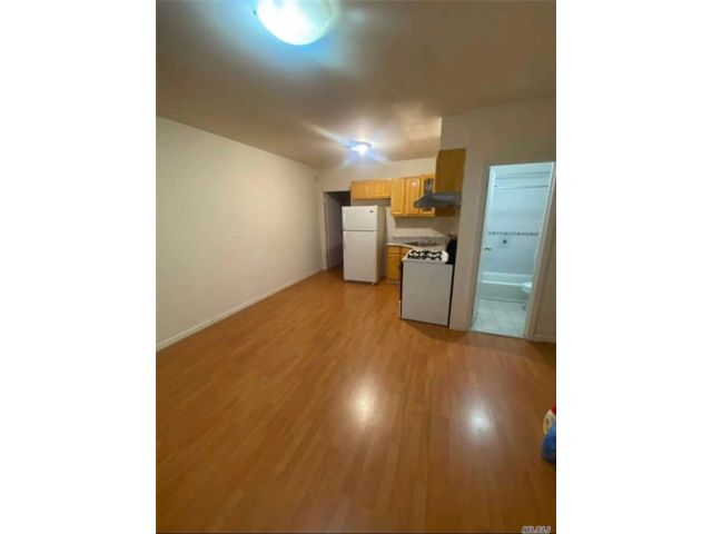 2 BR,  1.00 BTH Apt in house style home in Cobble Hill