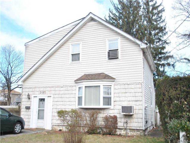 3 BR,  1.00 BTH Colonial style home in East Meadow
