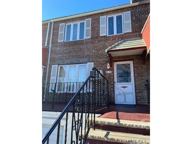 3 BR,  1.00 BTH 2 story style home in Middle Village