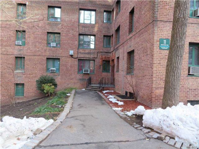 1 BR,  1.00 BTH  Condo style home in Parkchester