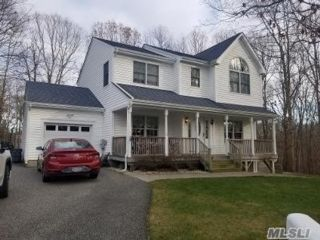 4 BR,  4.00 BTH  Victorian style home in Port Jefferson Station