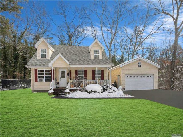 4 BR,  2.00 BTH Exp cape style home in Coram