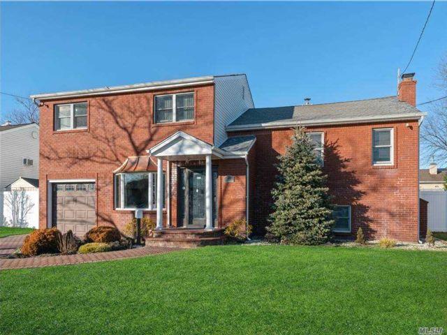 [Massapequa Real Estate, listing number 3174094]
