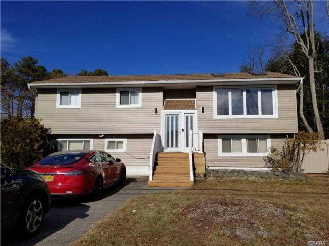 [Dix Hills Real Estate, listing number 3174096]