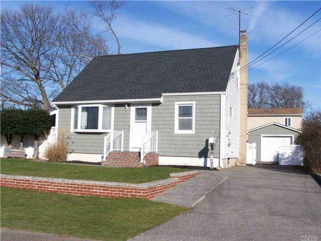 [Lindenhurst Real Estate, listing number 3174184]