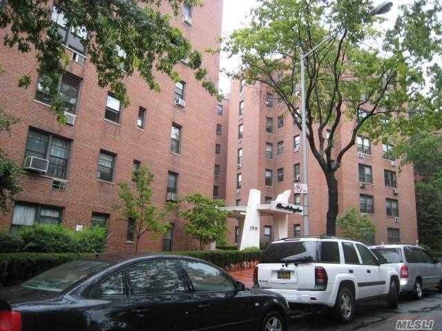 1 BR,  1.00 BTH Garden apartmen style home in Briarwood