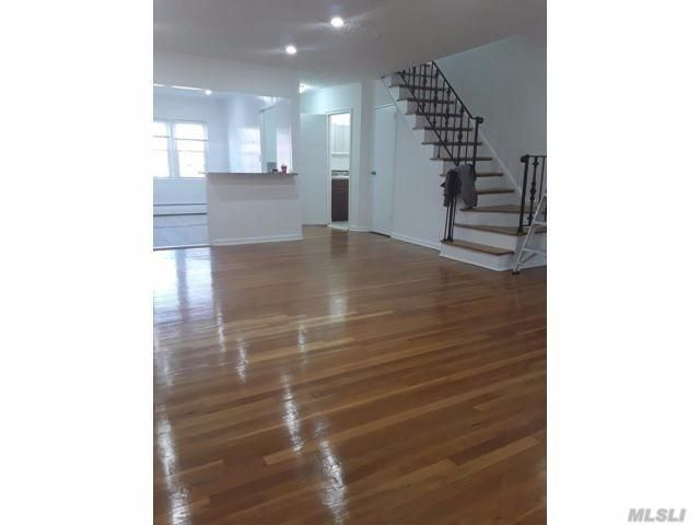 3 BR,  2.00 BTH Duplex style home in Middle Village