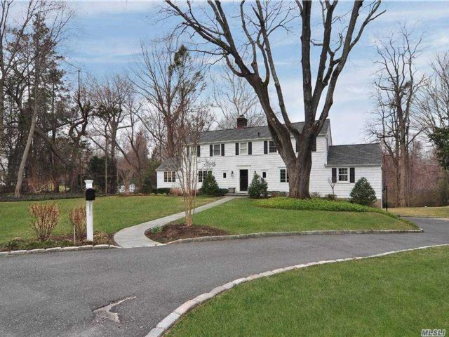 3 BR,  3.00 BTH  Colonial style home in Sands Point