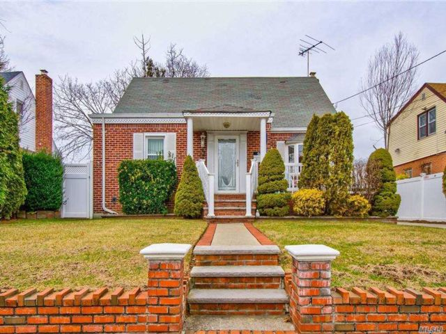 3 BR,  1.00 BTH Cape style home in Valley Stream