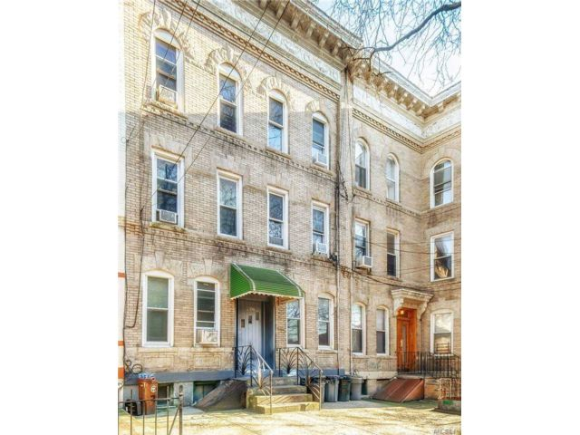 12 BR,  7.00 BTH Other style home in Ridgewood