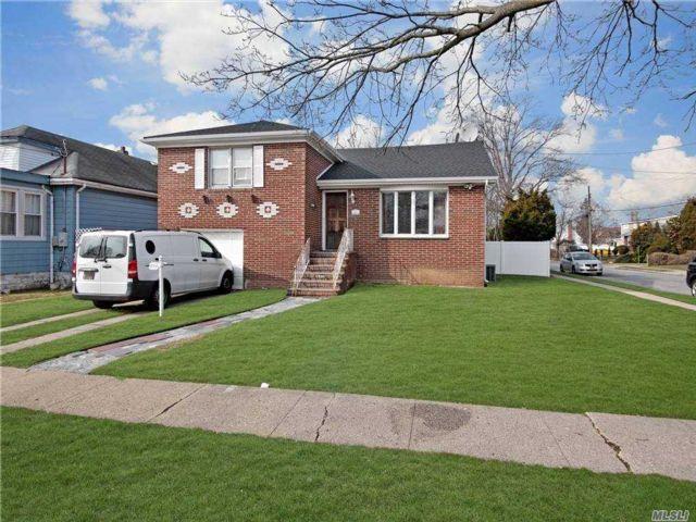 3 BR,  2.00 BTH Split level style home in Valley Stream