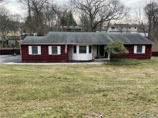 [Wading River Real Estate, listing number 3174453]