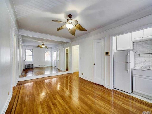 Studio,  1.00 BTH Other style home in Astoria