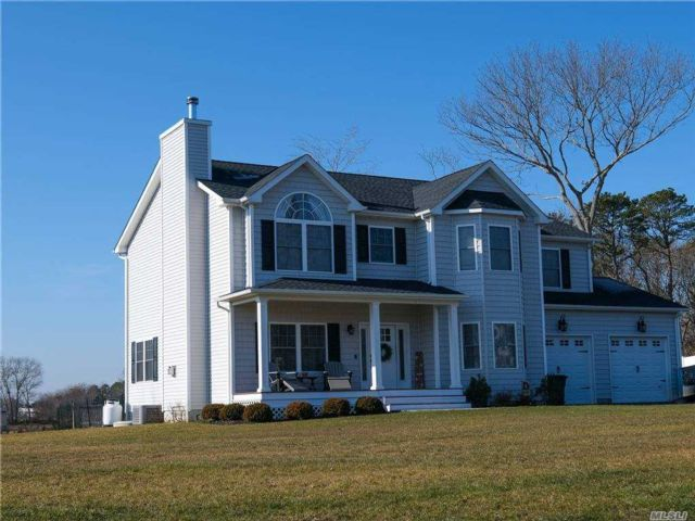 4 BR,  3.00 BTH  Colonial style home in Wading River