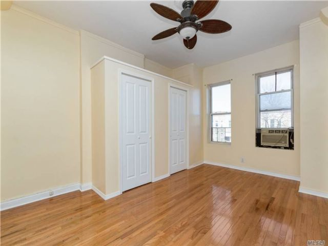 1 BR,  1.00 BTH Townhouse style home in Lefferts Garden