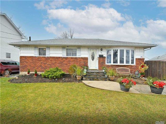 [Bethpage Real Estate, listing number 3174593]